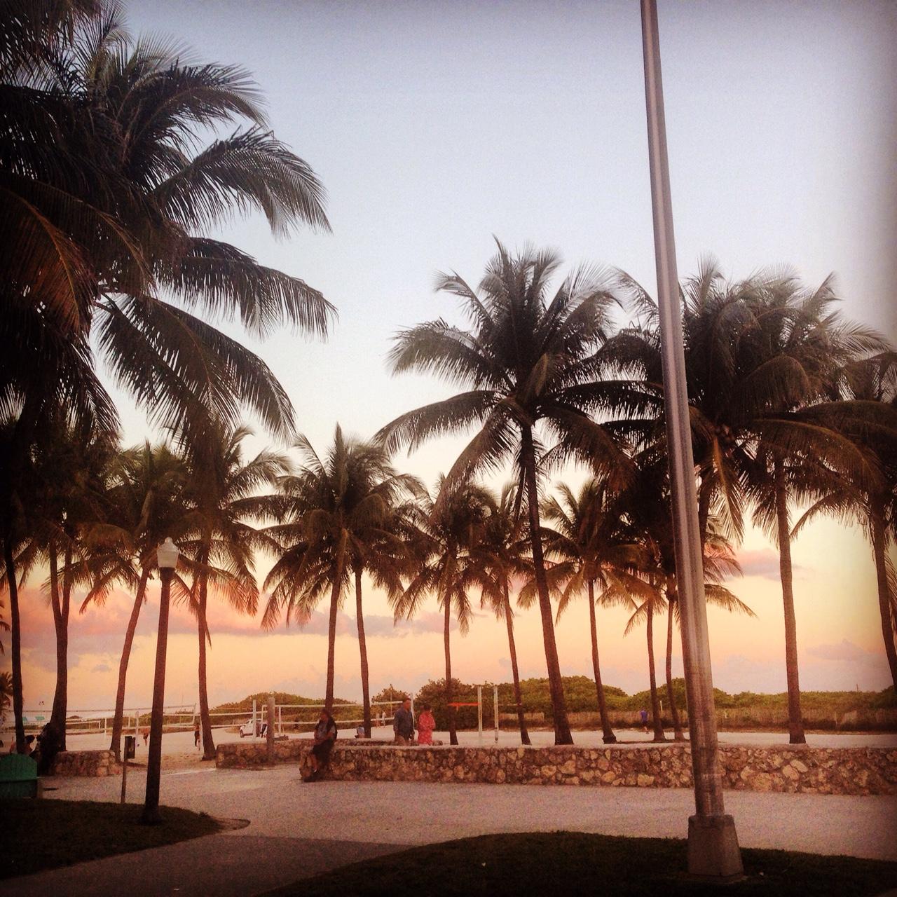 Zwillingsratgeber miami_south_beach_abend Miami Beach - 10 MUST-DOs für Reisende
